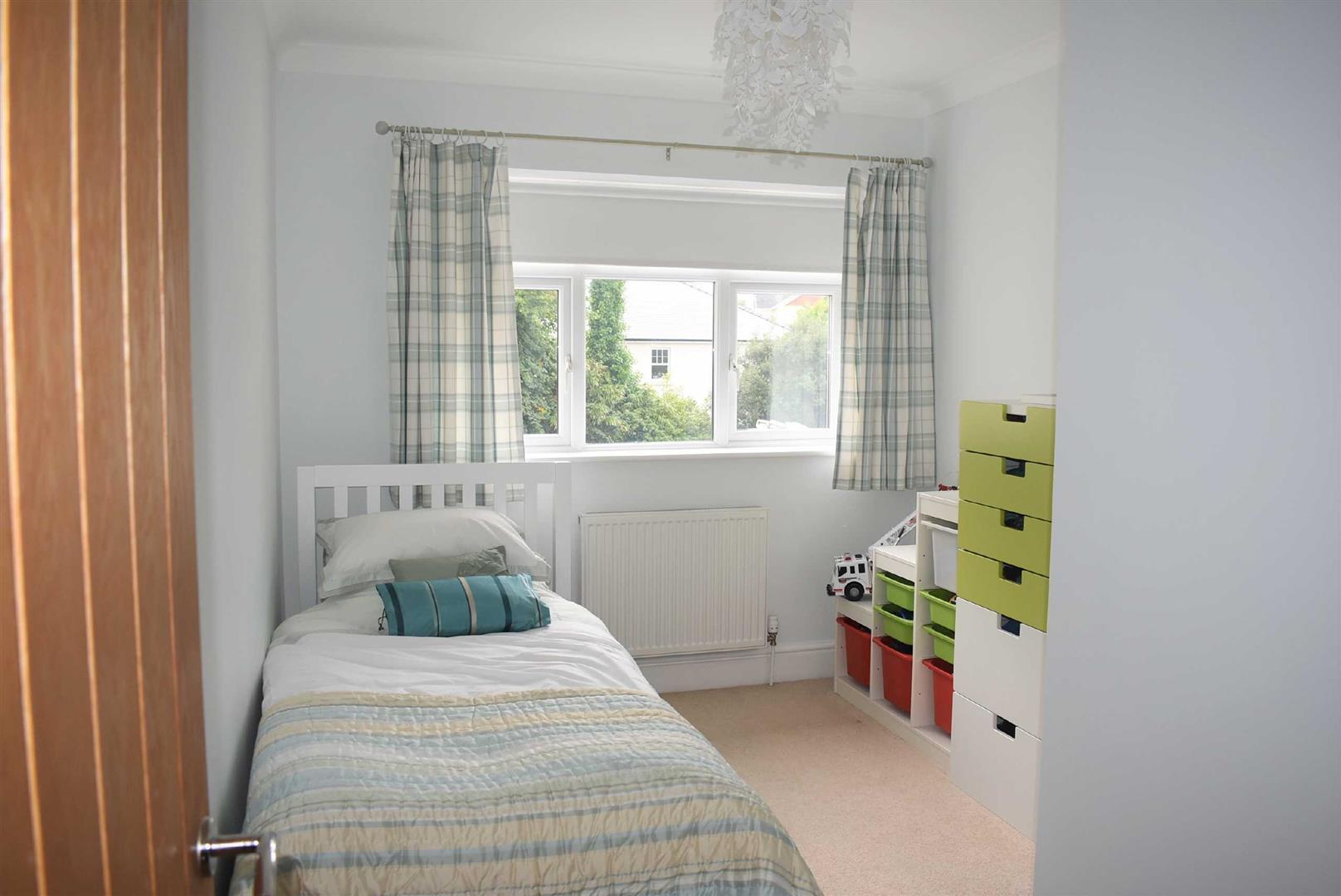 Southward Lane, Langland, Swansea, SA3 4QE